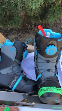 Burton new boys snowboard boots size 5 with easy lace , V0R