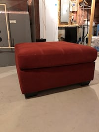 Red ottoman North Dumfries, N0B