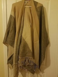 Grey and beige scarf  Toronto, M1B 5J4