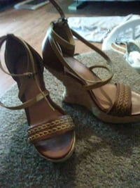 Jessica Simpson Wedged Sandles 866 mi