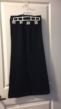 Lululemon sports pants small Oakville, L6K 3C7