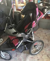 Baby's black and red jogging stroller Woodbridge, 22191