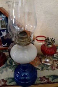 GENUINE EAGLE GLASS OIL LAMP *EXCELLENT CONDITION