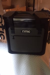 RTIC Cooler - soft pack 40 Charlotte, 28202