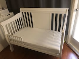 Baby Crib Convertible bed with mattress