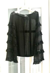 Sisley -Benetton sheer blouse with bell style sleeves, size medium  Montréal, H1J