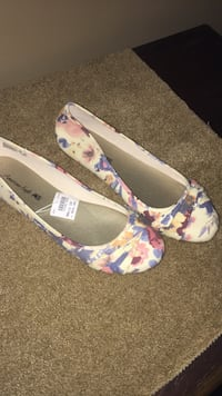 Size 10 flats , Harpers Ferry, 25425