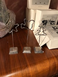 Wire photo/placecard/greeting card holders  523 km