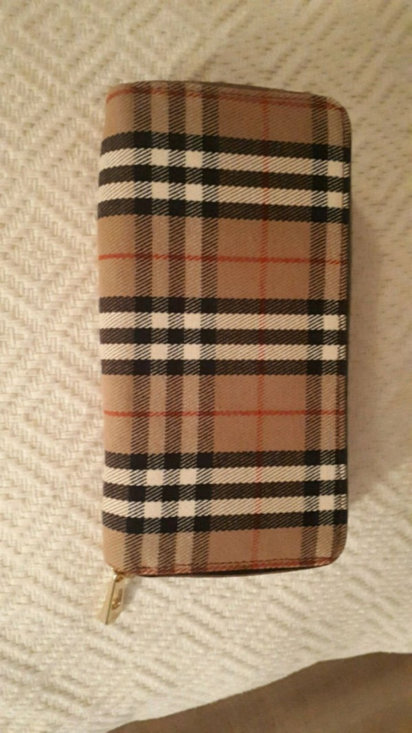 Burberry wallet (fake)