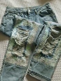 Top Shop jeans NWT distressed w sequins