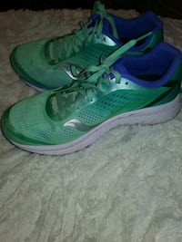 Saucony size 8.5 Running shoes