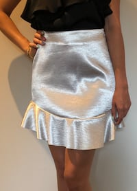 H&m brand new skirt s-m Newmarket, L3Y 6C8