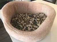 brown and black leopard print pet bed Leesburg, 20176