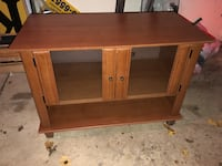 Heavy tv stand  Southgate, 48195