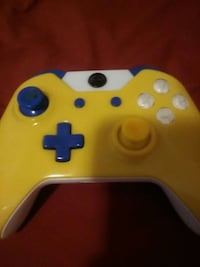 yellow and black Xbox One controller Dearborn, 48126