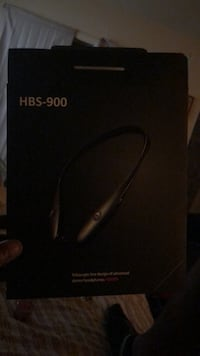 Black Bluetooth headset with charger  Tallahassee, 32305