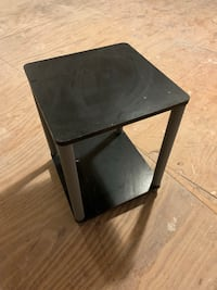 Small end table Elizabethtown, 17022