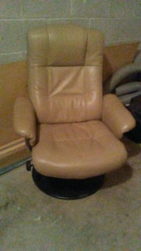 brown wooden framed brown padded armchair Toronto, M9R 3T6