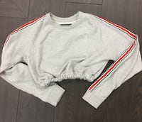 F21 cinched in crewneck Surrey, V3S 6Z1