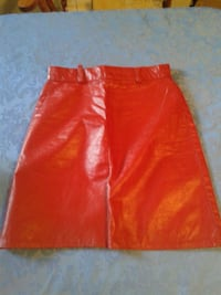 Red leather skirt size 2  Westmount, H3Y 2T5