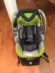 Baby trend car seat with adapter use only for coupple of time buy this for second car just few time use