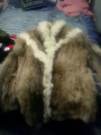 white and brown fur coat 3153 km