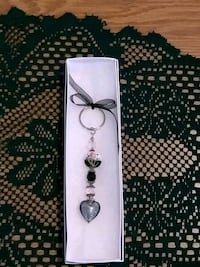 Brand new pink and black Crystal keychain with hea Colton, 92324