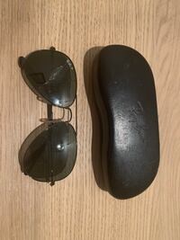 Ray Bans *cracked* Brookeville, 20833