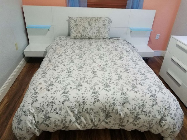 lowest price 00ebc dee57 Rooms to go- Light up bed set