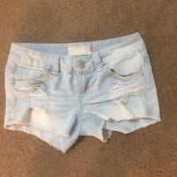 Almost Famous cutoff shorts size 3 junior  Gonzales, 70737