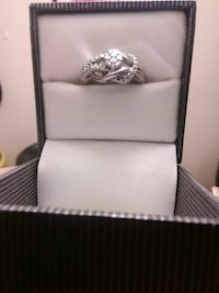 $50.real Lady's ring.7.5size Clarksville, 37042