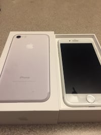 iPhone7 32Gb 95% new unlocked with box and 3 phone cases and 1 screen protector glass  中奧卡諾根 J, V4T 3A9