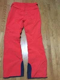 Helly Hansen snow pants. Size L   Vancouver BC V5W 1W4 VANCOUVER
