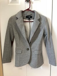 Forever 21 Blazer size 2. Heather gray. Richmond, V6X 3S6