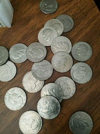 Eisenhower dollars $3.00 each have 20 of them Weiser, 83672