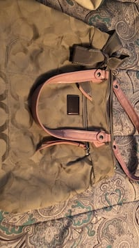 brown and pink Coach handbag Chambersburg, 17202