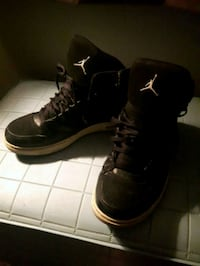 Pair of black Air Jordan basketball shoes London, N6C 4M8
