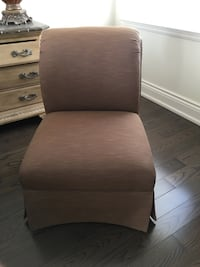 ACCENT CHAIR Vaughan, L6A 2V4