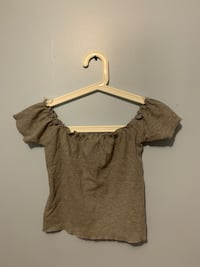 Grey off the shoulder top Vaughan, L4J 2Y8