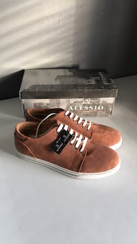 Alessio men's leather shoes size 8 King, L7B 1L1