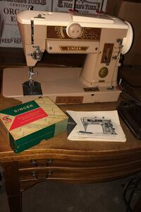 Singer 401A Sewing Machine w/ Table