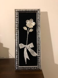 Silver flower with frame