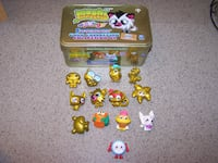 13 MOSHI MONSTER - Tin included - 9 are gold collection  Vaughan
