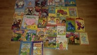 Lot 35 English books for kids Laval