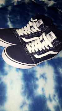 dark blue vans high tops Hagerstown, 21740