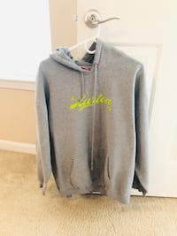 Men's jacket with hood in great condition-Size L 501 mi