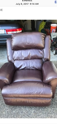 brown leather recliner sofa chair Everett, 98258