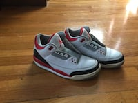 Air Jordan Fire red 3's 2013 size 8.5 Revere, 02151