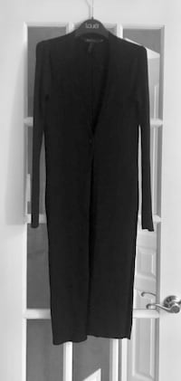 BCBG long cardigan with slits on the sides and on sleeves.. Montréal, H1J