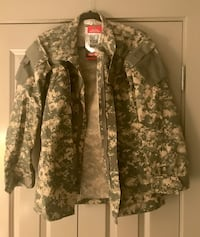 $15 - Cammo Combat Jacket and Pants x-small - New with tags Washington, 20036